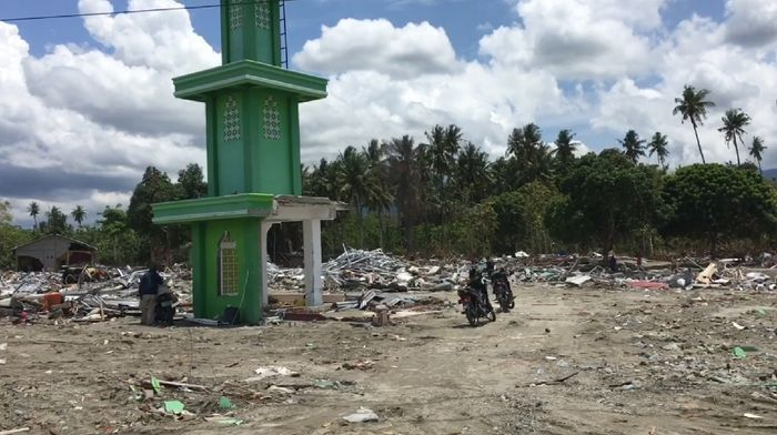 Melihat Pantoloan, Titik Terparah yang Hancur Akibat Gempa Palu (Foto: Isfari Hikmat)