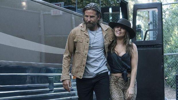 Bradley Cooper sebagai Jackson Maine dan Lady Gaga sebagai Ally.