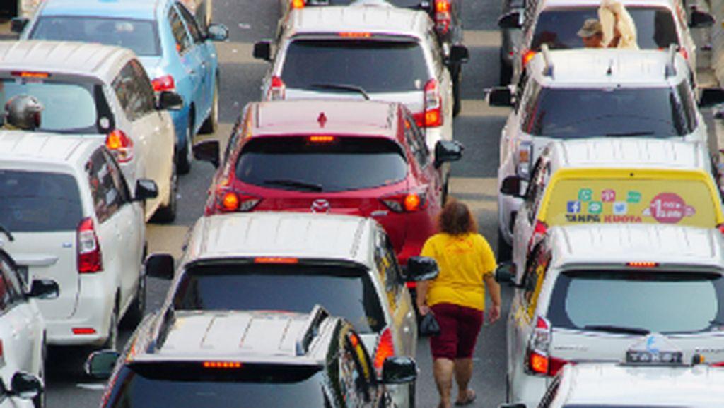 diantara  kemacetan