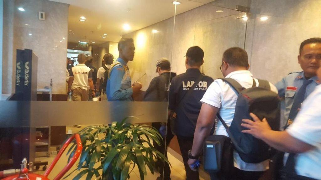 Tim Labfor Polri Datangi Ruang Anggota DPR yang Ditembak