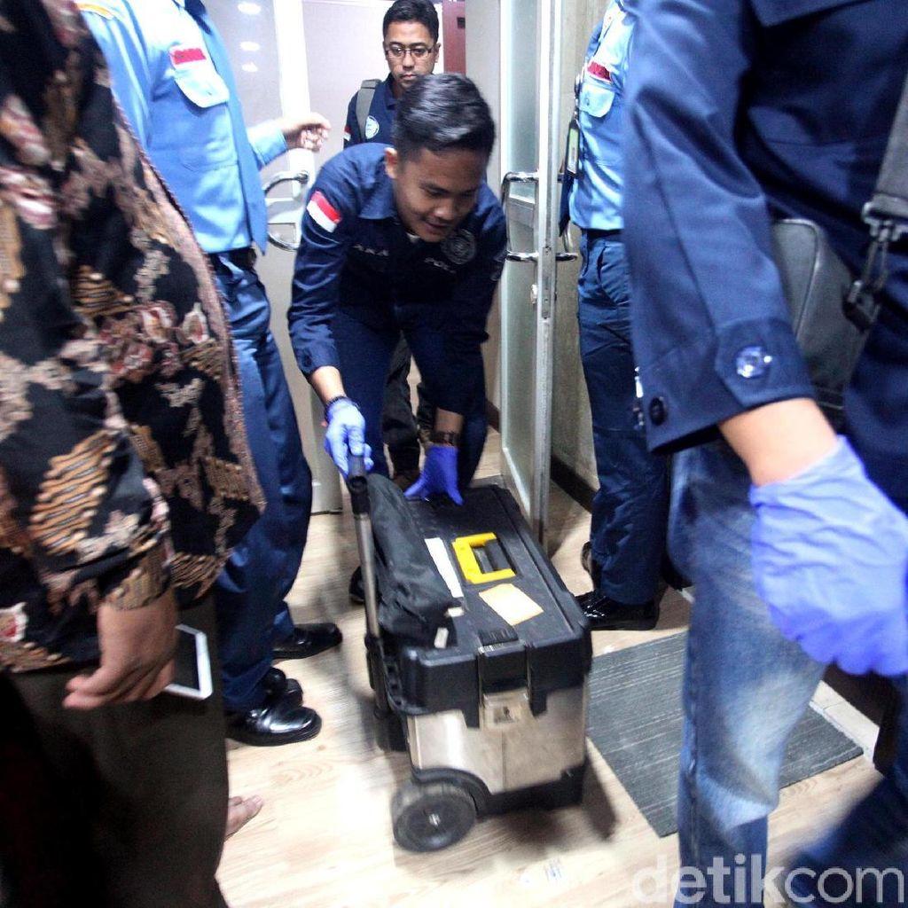 Detik-detik Pengusutan Peluru Nyasar ke Gedung DPR