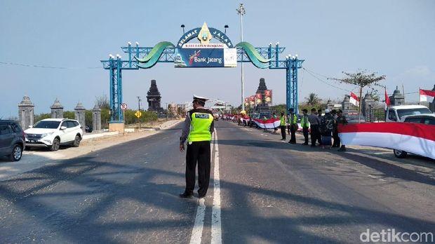 Sambutan saat Kirab Satu Negeri masuk Jateng.