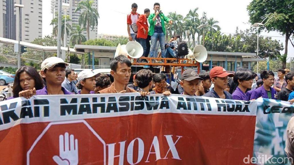 Massa Demo di Polda Metro, Minta Usut Tuntas Kasus Hoax Ratna