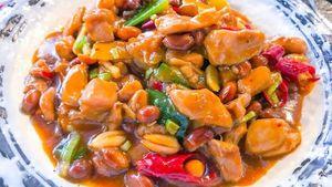 5 Olahan Ayam Saus Oriental yang Populer di Restoran China