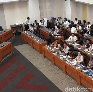 RDP Bahas RAPBN 2019, Sri Mulyani Bolak-balik Ditelepon Jokowi