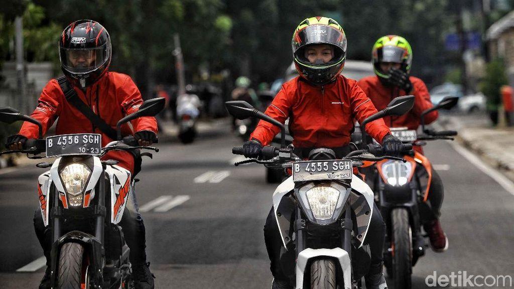 Tiga Pemuda KTM Road Warriors Beraksi dengan Motor Eropa