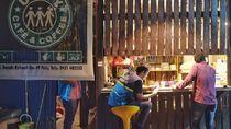 Pulihnya Listrik Membuka Harapan Para Pedagang Korban Gempa Palu