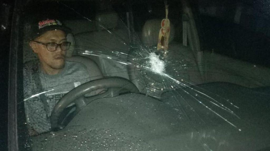 Mobil Ditimpuk Batu, Wartawan Sukabumi Lapor Polisi