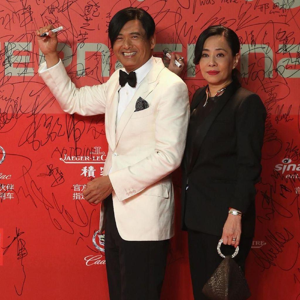 Fakta Chow Yun Fat, Aktor Dermawan Keranjingan Selfie