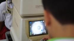Mata merupakan jendela dunia. Komunitas Lions Club mengadakan pemeriksaan mata gratis untuk anak SD di Jakarta yang terabaikan dari segi kesehatan matanya.