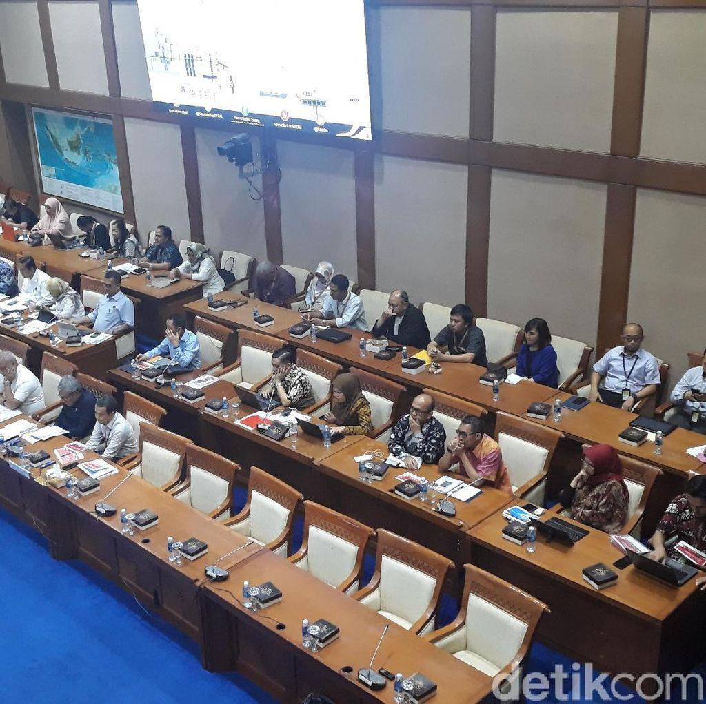 Bos Pertamina Tak Hadir, Rapat Migas Komisi VII Batal