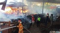 Gudang Mebel di Probolinggo Ludes Terbakar, Kerugian Rp 300 Juta