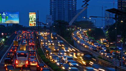 Menikmati Kemacetan Jakarta