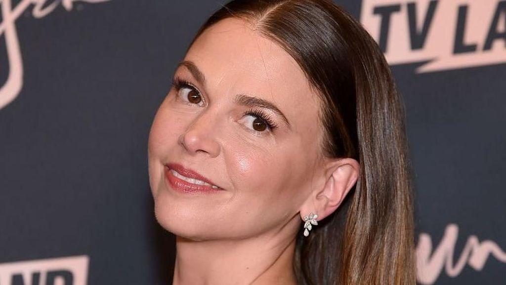 Awet Muda, Aktris 43 Tahun Ini Berperan Jadi Wanita Berusia 27