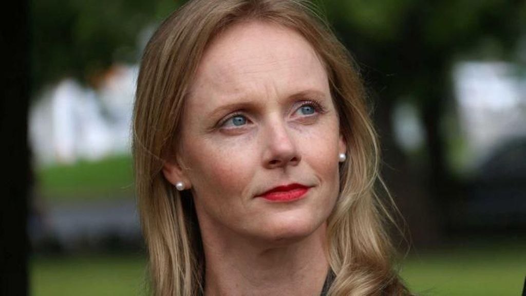 Jalin Hubungan dengan Bawahan, Menteri di Tasmania Mundur