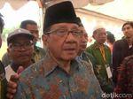 Akbar Tandjung Sedih Bupati Bekasi Diciduk KPK