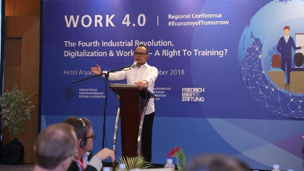 Menaker: Tak Perlu Takut dengan Revolusi Industri 4.0