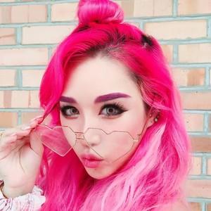 Wanita Ini Bikin Makeup Seram Tiru Wajah Istri Mantan PM Malaysia
