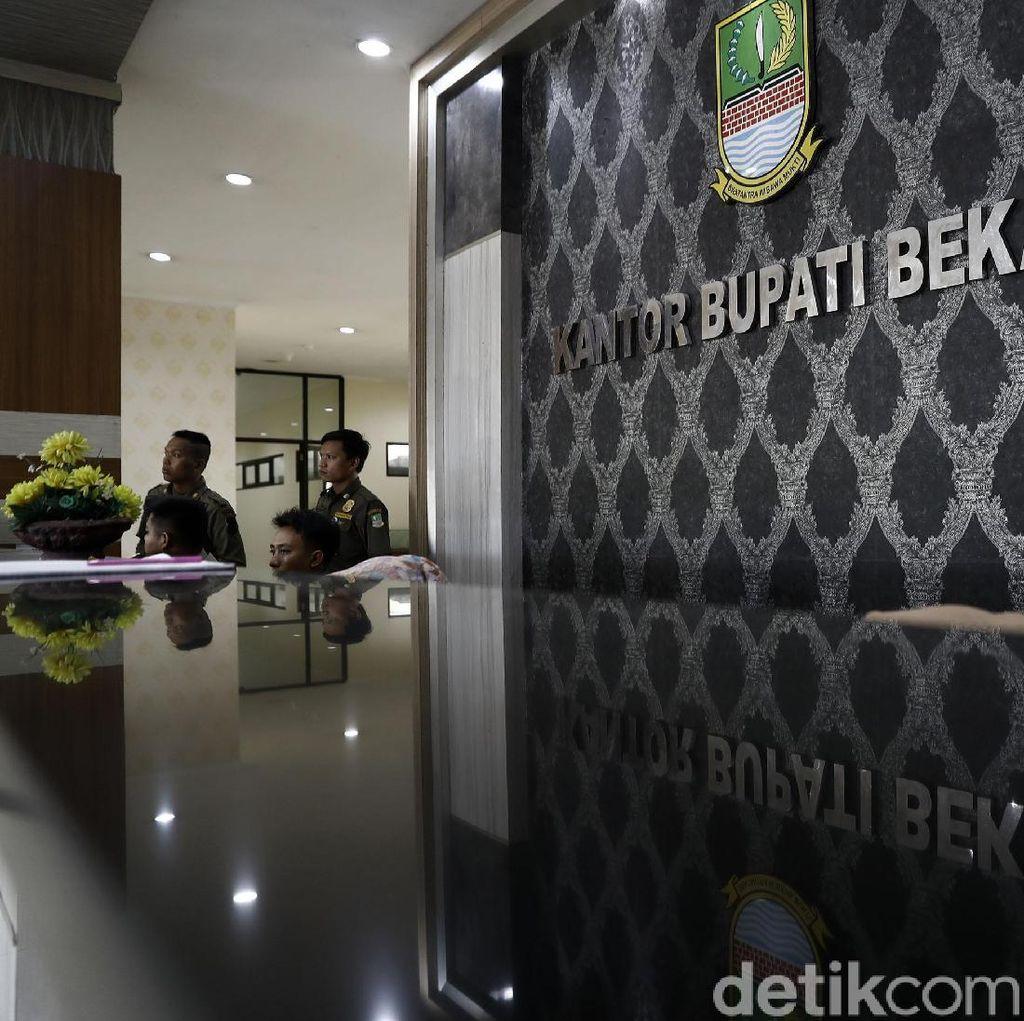 Bupati Bekasi Ditangkap KPK, Ruang Kerjanya Sepi