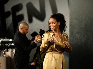 Dituding Rasis, Rihanna Tarik Produk Kosmetik Geisha Chic