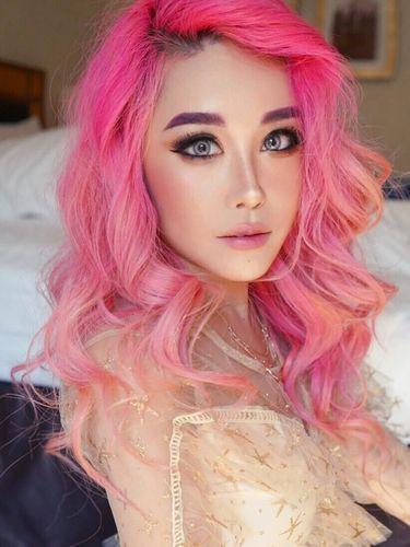 Ini Xiaxue, Youtuber yang bikin makeup Hallowen tiru wajah istri mantan PM Malaysia