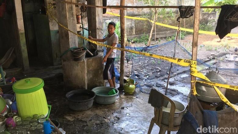 Polisi Selidiki Penyebab Air Sumur Warga yang Tercemar BBM