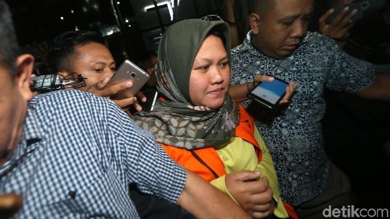 KPK Sita Uang dari Rumah Bupati Bekasi Tersangka Suap Meikarta