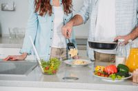Belajar Masak Bersama Jadi Bahasa Cinta Melaney Ricardo dan Suami