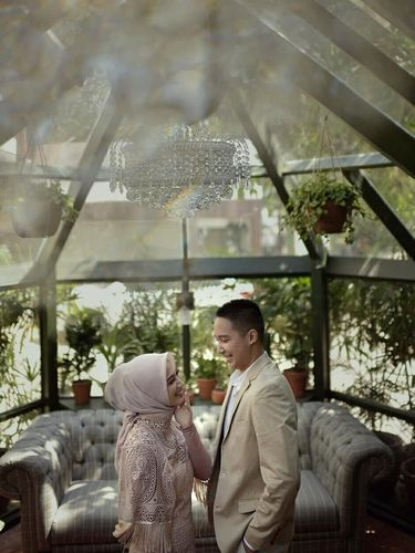 Gaya Hijab Melofy Eks JKT 48 Saat Foto Prewed, Makin Cantik!