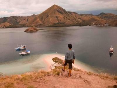 Pulau Kelor dan Keindahan Labuan Bajo dari Ketinggian