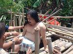 Akhir Derita Dirman yang 5 Tahun Dikurung Kandang Bambu