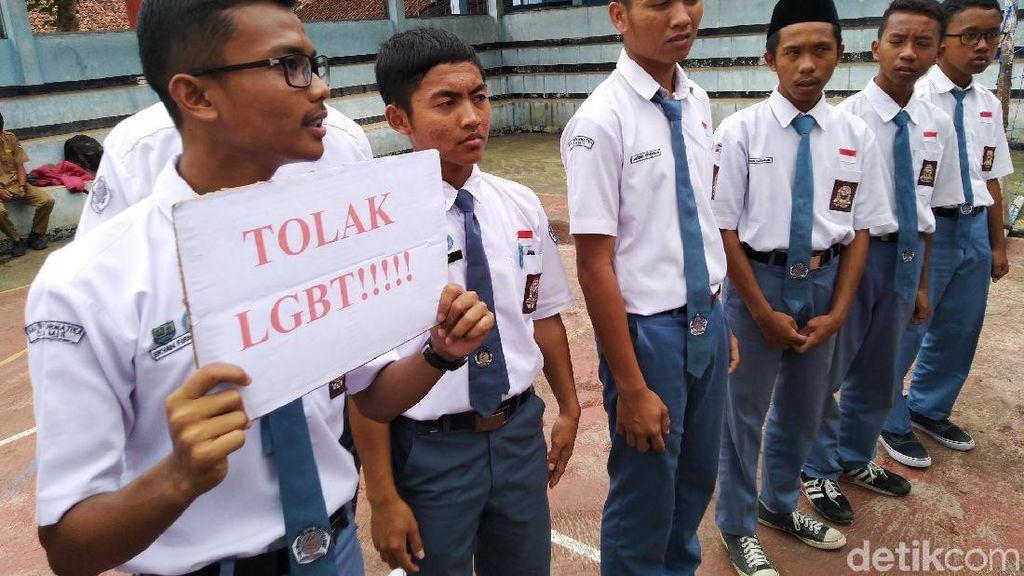 Pelajar Ciamis Deklarasi Tolak LGBT