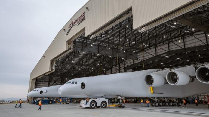Stratolaunch, pesawat terbesar di dunia peninggalan Paul Allen. Foto: Stratolaunch