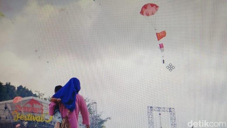 Viral! Bendera Cina dalam Petasan di Acara HUT Kulon Progo