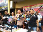 Pria Bunuh Diri di Jakbar Punya Banyak Senpi, Polisi Buru Pemasok