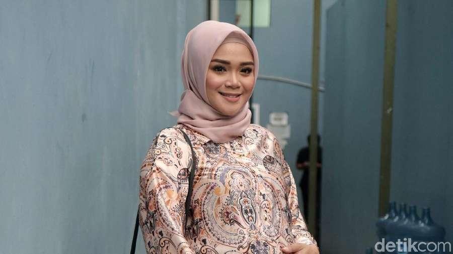 Cerita Sheza Idris Soal Ngidam di Amerika dan Perceraian Kakaknya