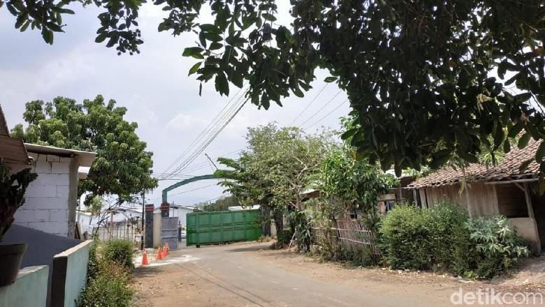 Gerbang pabrik yang dipercaya menjadi gerbang Esemka Foto: Ridwan Arifin/detikOto