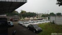 Ratusan Mobil Geely Masih Nongkrong di Pabrik Esemka