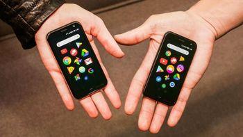 Penampakan Palm, 'Ponsel Mini' buat Ponsel