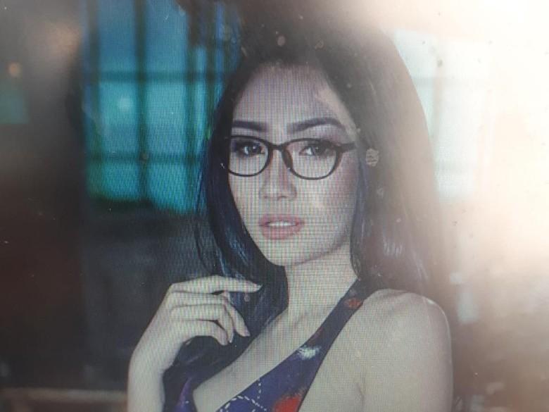Hamil usai Putus dari Delon, Putri Juby Tutupi Anak Demi Karier