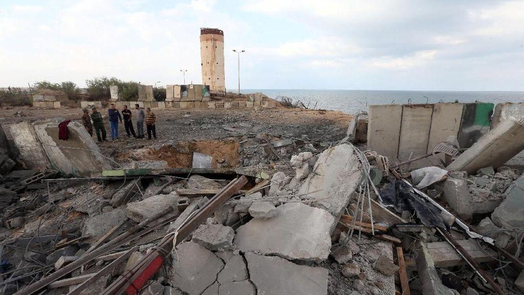 Rumah Warga Palestina Dihancurkan Militer Israel