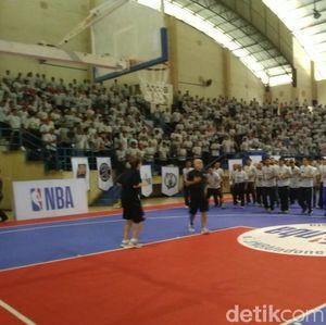 Pelatih NBA Tularkan Ketrampilan kepada Guru-guru di Semarang