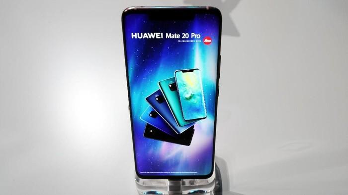 Mate 20 Pro, salah satu ponsel andalan Huawei (Foto: Reuters)