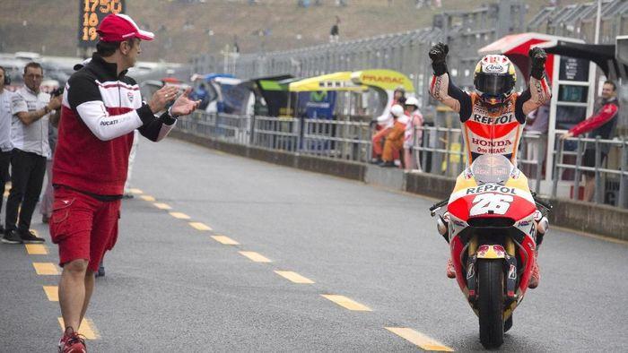 Dani Pedrosa memenangi MotoGP Jepang 2015. (Foto: Mirco Lazzari gp/Getty Images)