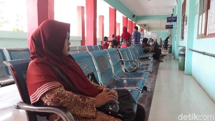 Ruang tunggu RSUD tampak kosong (Foto: Imam Suripto)