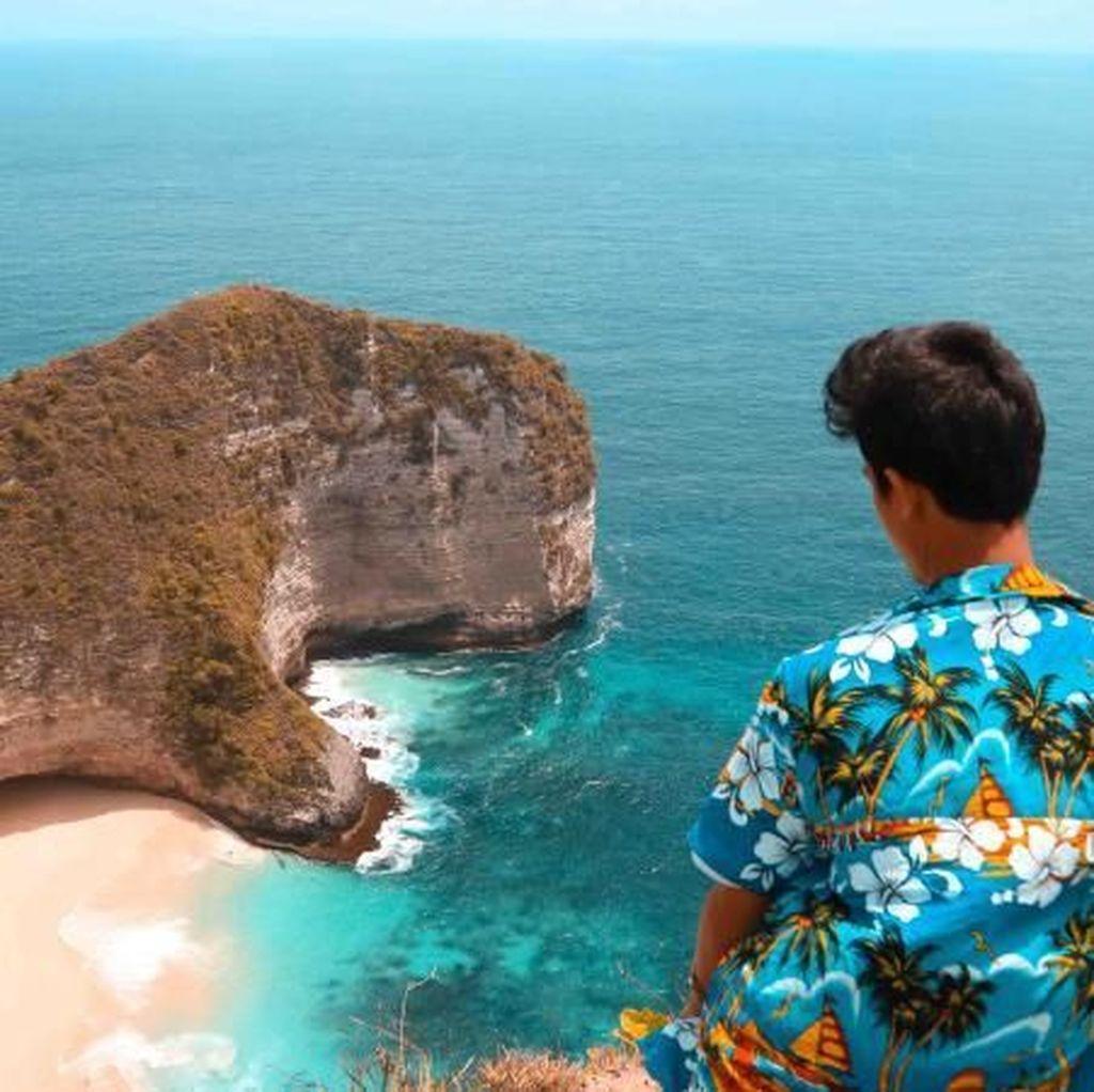 Pantai Mirip T-Rex Ini Ikonnya Nusa Penida