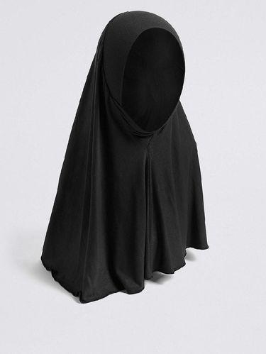 Marks & Spencer Jual Hijab Untuk Seragam Sekolah, Picu Kontroversi