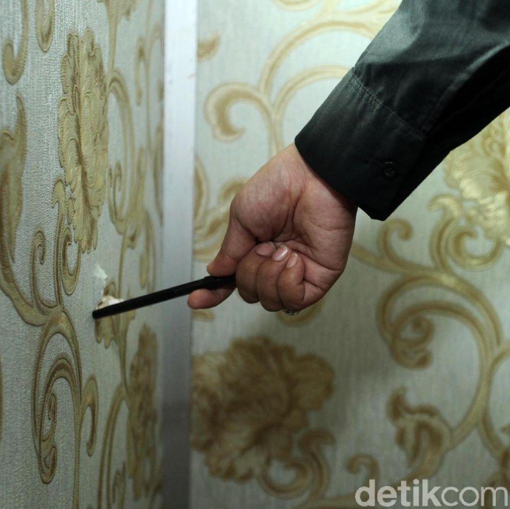 Ruangan Anggota DPR F-Partai Demokrat Tertembus Peluru