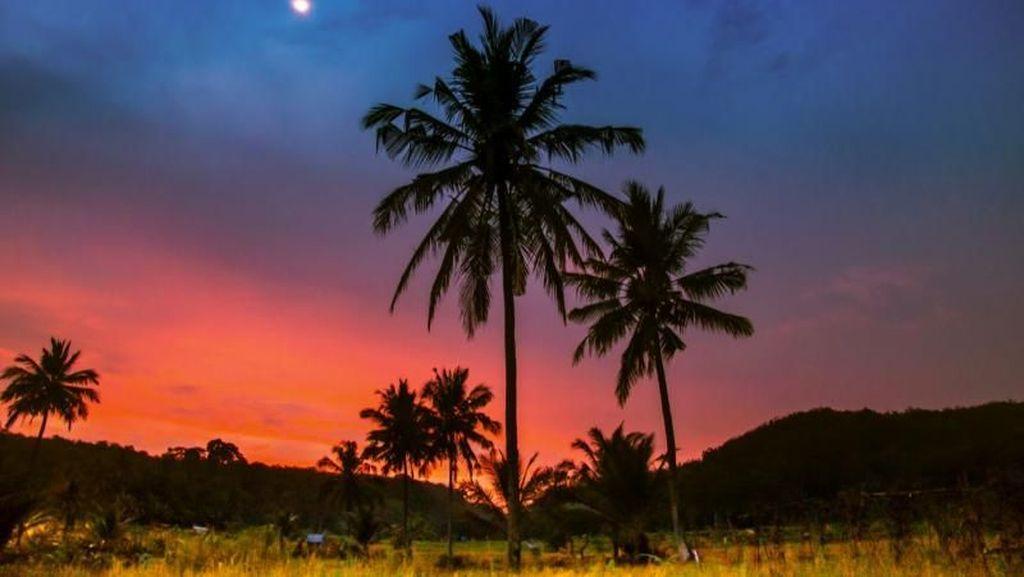 Yuk, Intip Cantiknya Pantai Sawarna dari Banten Selatan