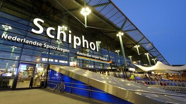 Media perjalanan global Travel + Leisure kembali mengeluarkan survey Worlds Best Awards terbaru terkait bandara terbaik dunia tahun 2020. Di peringkat 10 ada Bandara Schiphol di Amsterdam, Belanda (AFP Relaxnews/VLIET/Istock.com)